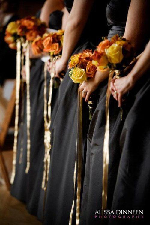 halloween-wedding-ideas-covid-corona-wedding-planner-coach-planning-coordinator-toronto-durham-oshawa-northumberland-bobcaygeon-officiant-cobourg-ceremony-postpone-postponement-commitment-ceremony-ontario-port-hope