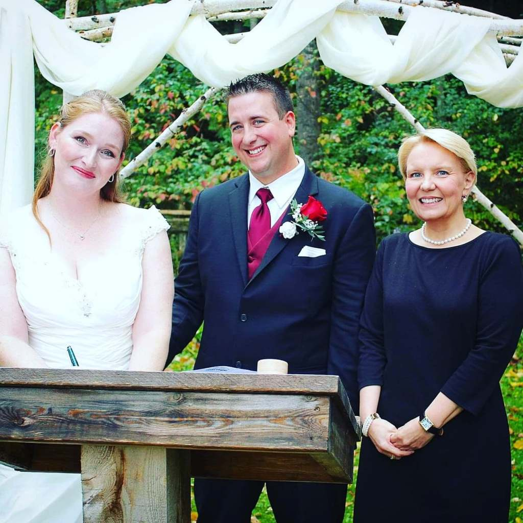 officiant-fees-price-covid-mini-covid19-corona-virus-wedding-coach-planning-planner-coordinator-toronto-durham-oshawa-northumberland-bobcaygeon-officiant-cobourg-ceremony-postpone-postponement-commitment-ceremony-ontario-friend-disaster-friendor-fail