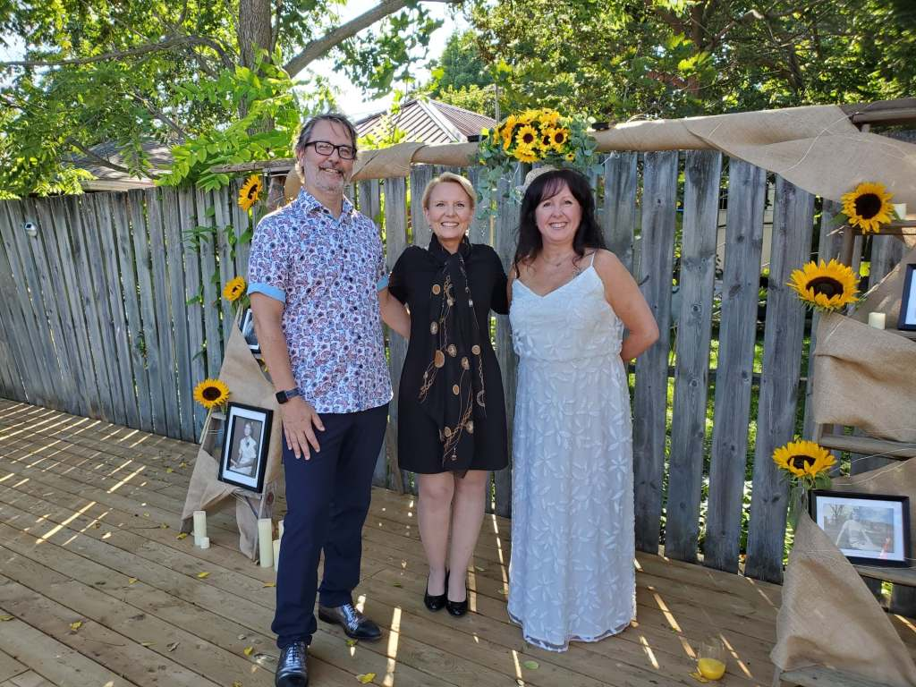 janice-jeff-august-5-2020-covid-mini-wedding-backyard-ceremony-officiant-planner-coodinator-micro-bowmanville-oshawa-cobourg-port-hope-peterborough-venue-florist