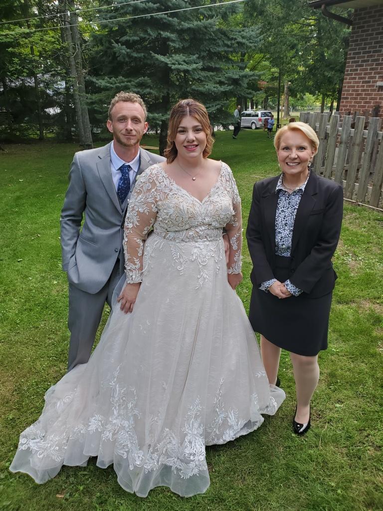 elopement-photographer-cake-baker-wedding-covid-mini-micro-wedding-backyard-ceremony-officiant-planner-coodinator-bowmanville-oshawa-cobourg