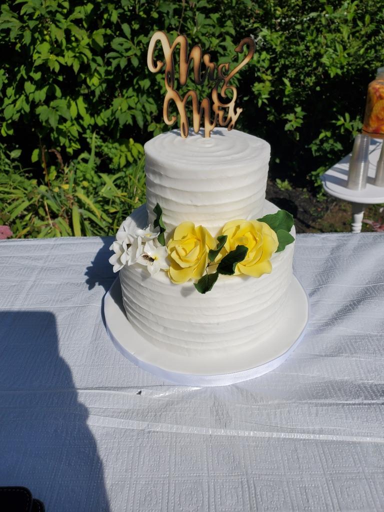 elopement-photographer-cake-baker-wedding-covid-mini-micro-wedding-backyard-ceremony-officiant-planner-coodinator-bowmanville-oshawa-cobourg/