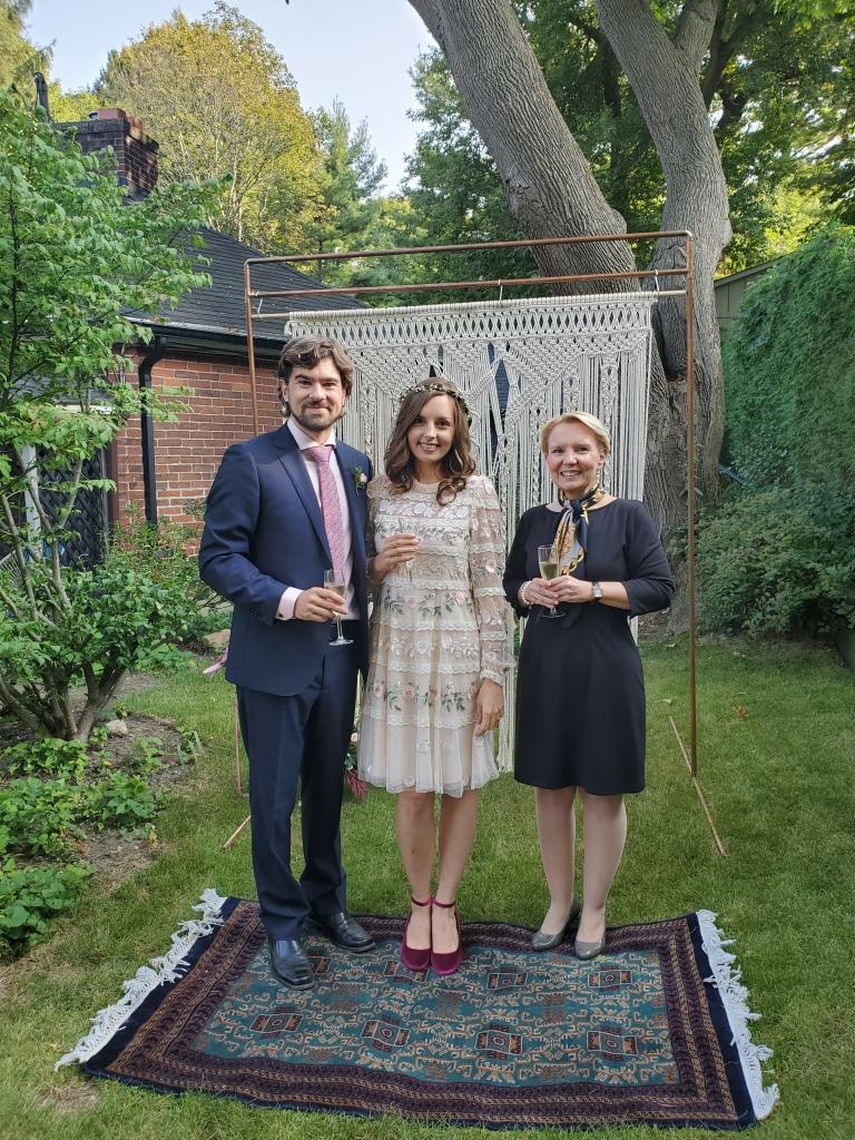 elopement-photographer-cake-baker-wedding-covid-mini-micro-wedding-backyard-ceremony-officiant-planner-coodinator-bowmanville-oshawa