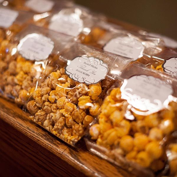 5-tips-to-memorable-wedding-favors-people-will-actually-use-elopement-photographer-cake-baker-wedding-covid-mini-micro-wedding-backyard-ceremony-officiant-planner-coodinator-bowmanville-oshawa-cobourg/