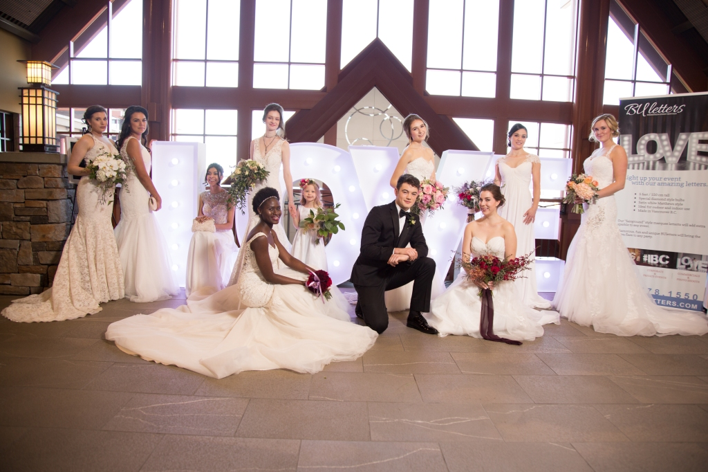 wedding-show-elopement-photographer-cake-baker-wedding-covid-mini-micro-wedding-backyard-ceremony-officiant-planner-coodinator-bowmanville-oshawa-cobourg/